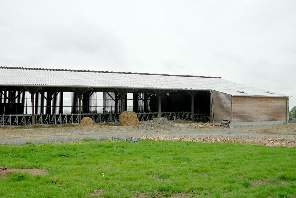 Lmb martin fr res maison bois professionnels et for Architecte batiment agricole